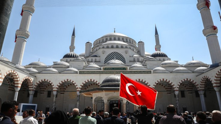 'Çamlıca Camii'ne karşıyız. Çünkü Müslüman'ız…'