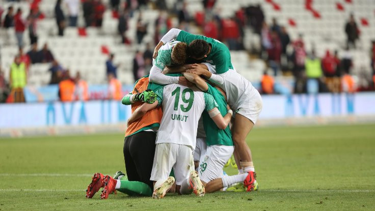 Bursaspor Chedjou'yla kazandı