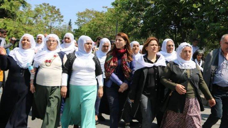 Bakırköy'de annelere biber gazı sıkıldı