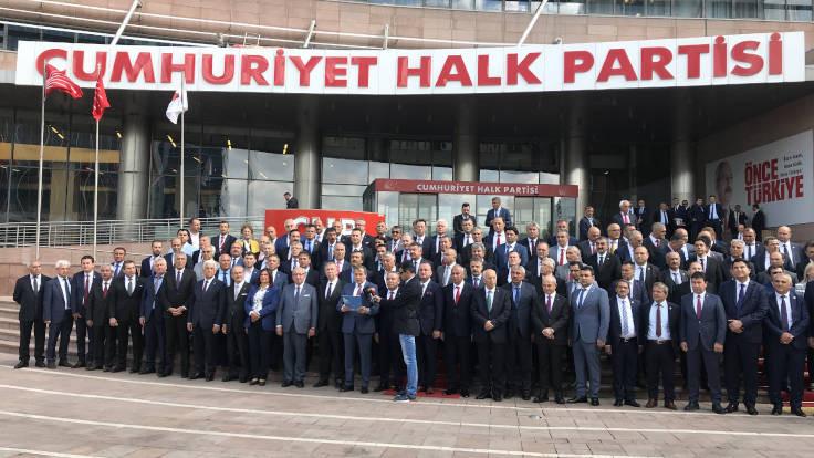 'CHP'deki kırgınlar da kolları sıvadı'