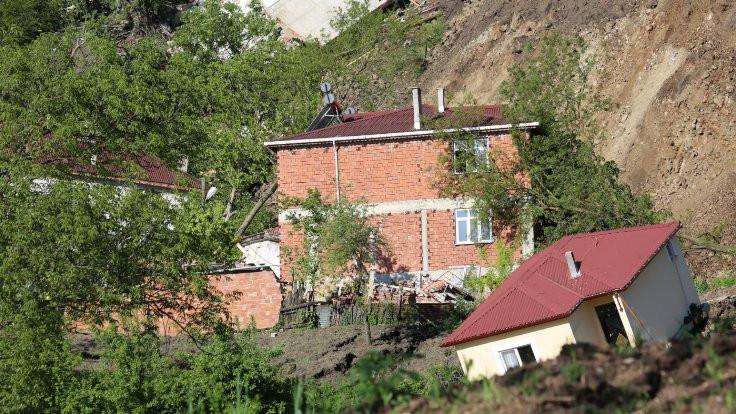 Ordu'da 15 ev yıkıldı