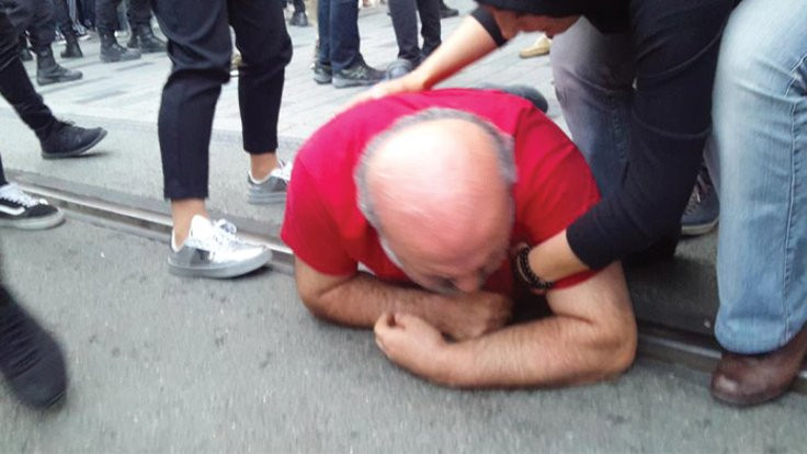 Polis yeryüzü sofrasını dağıtıp Eliaçık'ı darp etti