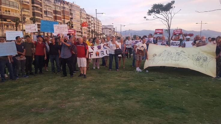 'Dün Gezi'deydik, bugün Adalet ve Demokrasi Nöbeti'ndeyiz'