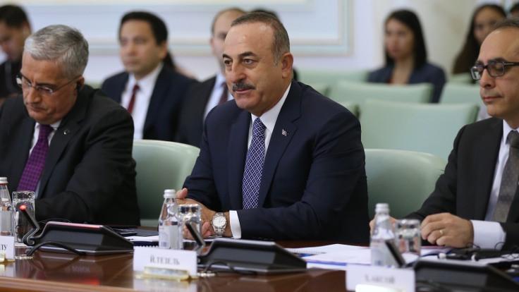 Çavuşoğlu'ndan Barzani'ye tebrik