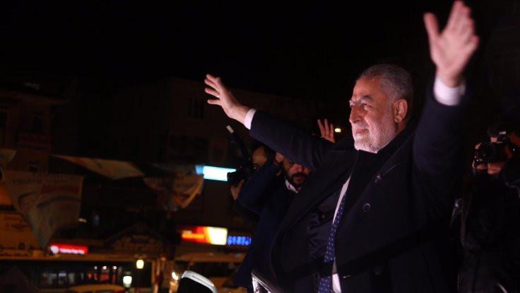 SAADET İstanbul adayının oğlu işten çıkarıldı