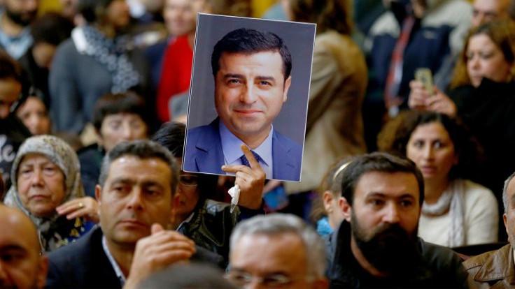 Demirtaş'ın avukatları duruşmaya çıkmıyor