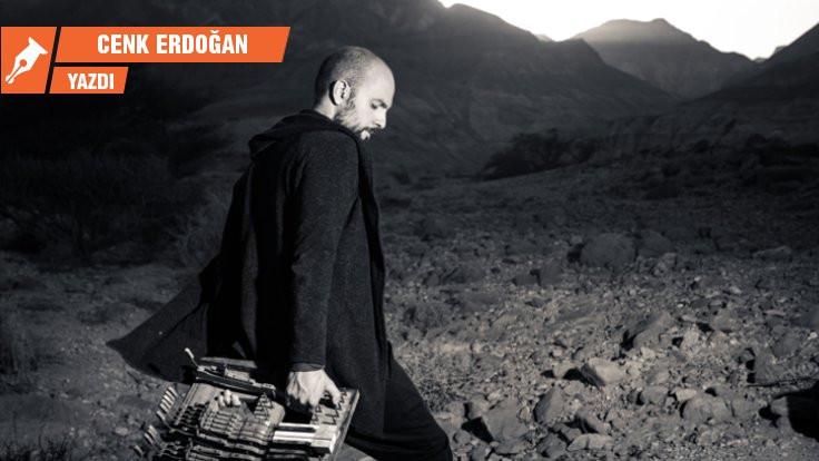 Dünya dertlerine hakim bir müzisyen: Shai