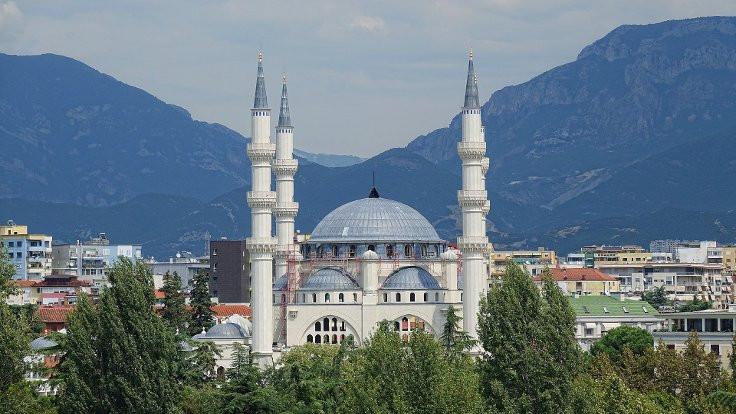'Türkiye yumuşak güç için camileri kullanıyor'