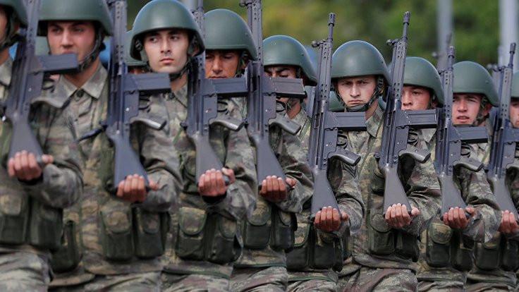 AK Parti Grubu'nda askerlik kanunu görüşüldü