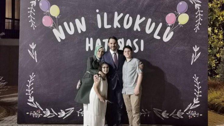 Bakan Albayrak'tan aile fotoğrafı