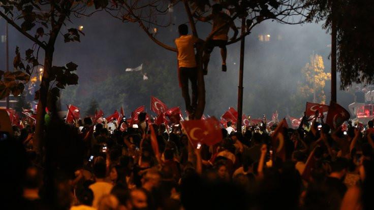 'CHP'li kardeşim, sana HDP'ye aza ol demem...'