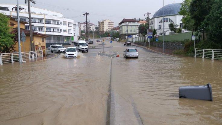 Darıca'da sel: 1 kişi hayatını kaybetti