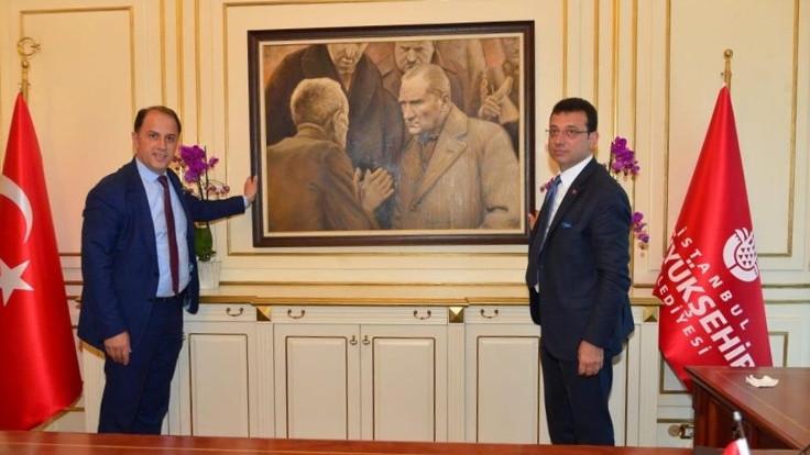 İmamoğlu, Atatürk tablosunu yeniden astı
