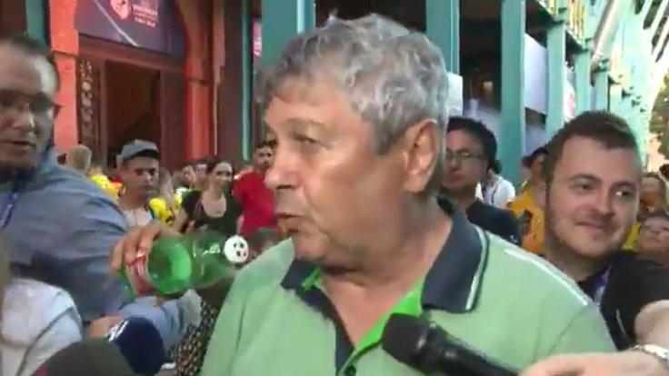 Lucescu'ya mikrofon yerine pet şişe uzatıldı