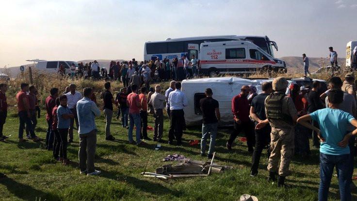 Mardin'de kaza: 16 yaralı