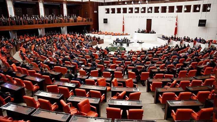 Meclis'te 'tokat' polemiği: Önce geçmişinize bakın