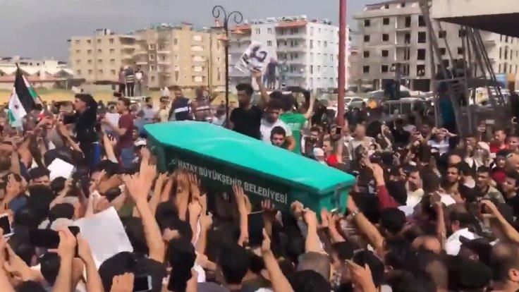 Eski IŞİD'li için Reyhanlı'da kitlesel cenaze töreni