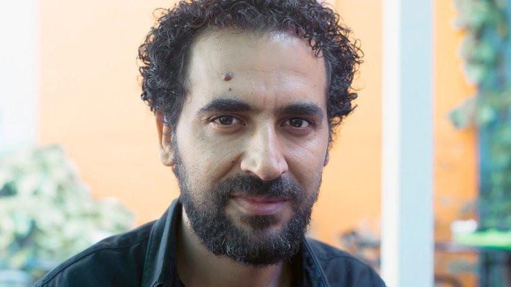 Murat Özyaşar Mersin'de okurlarıyla buluşuyor
