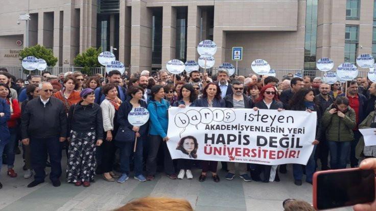 AYM, Barış Akademisyenleri için hak ihlali kararı verdi