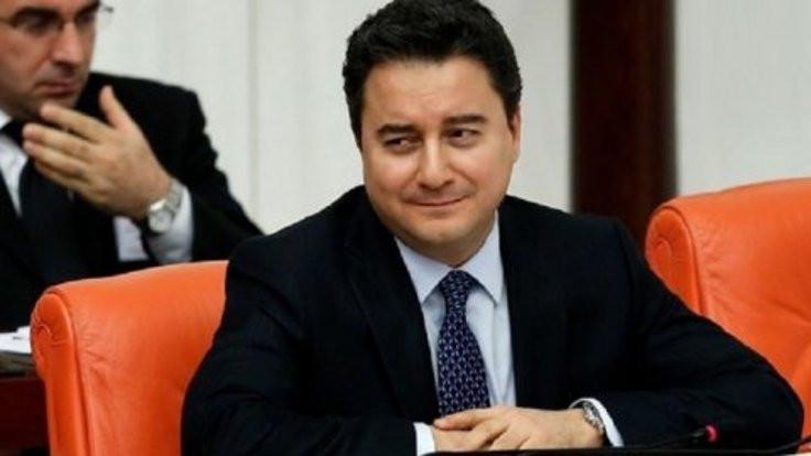 'Babacan parti ilanını yine erteledi'