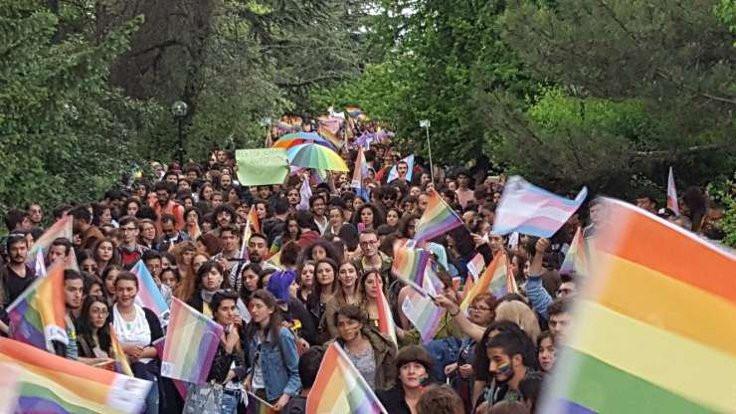 Onur Yürüyüşü cezası: Burslar kesildi