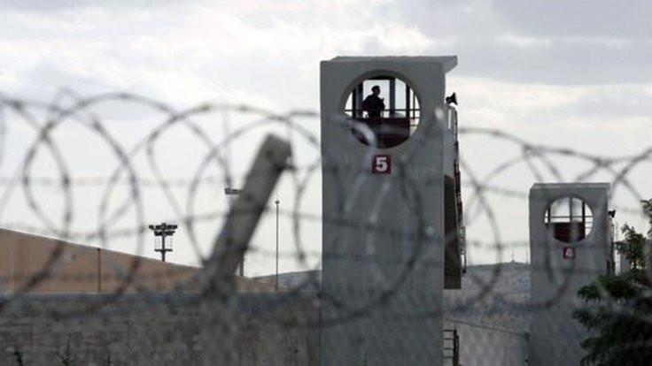 Mahpusa 'Kürtçe konuştun' cezası