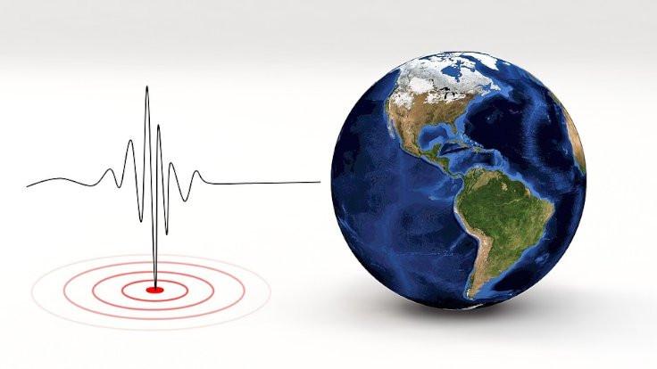 Filipinler'de iki deprem: 8 ölü