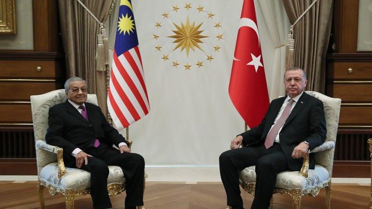 Erdoğan: Hakan Atilla'yı külliyeye davet ettim