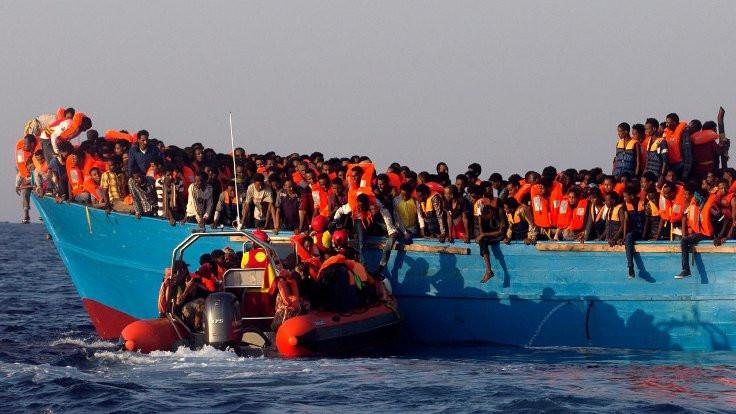 Tunus'ta tekne battı: 81 kişi hâlâ kayıp