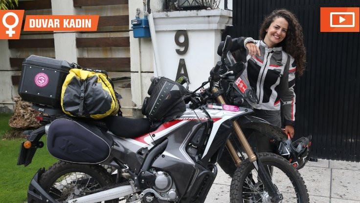 Motosikletiyle dünyayı geziyor
