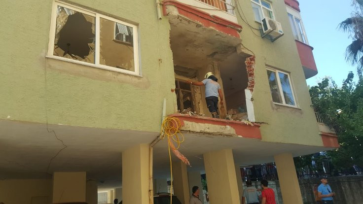 Mersin'de klima motoru patladı:1 ölü