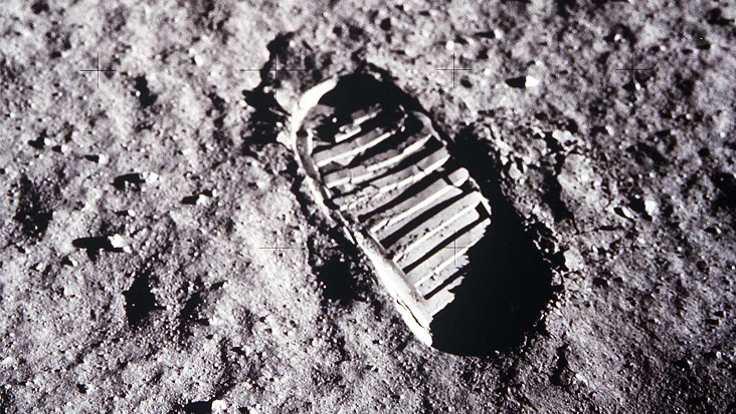Ay görüntüleri satışa çıkıyor