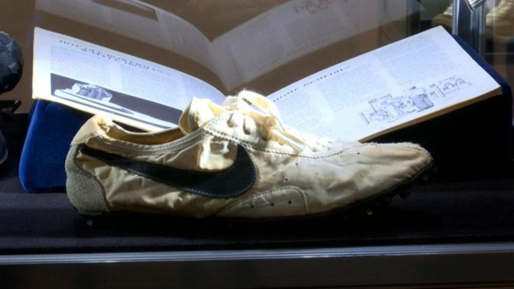 Nike ayakkabılar 437 bin 500 dolara satıldı