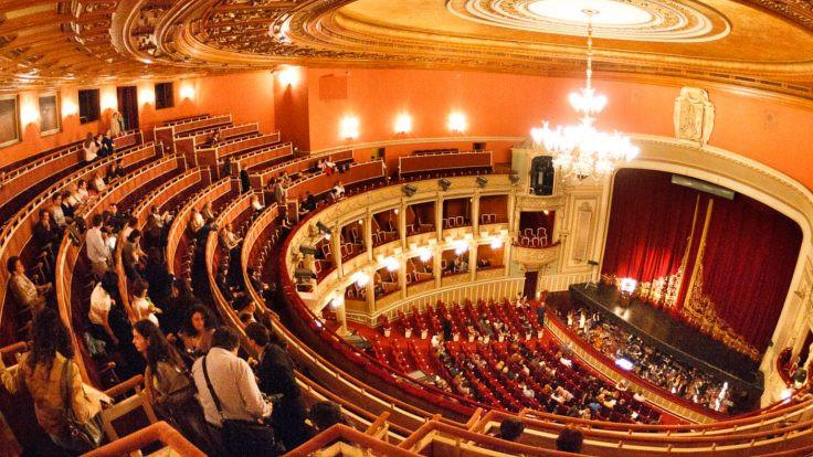 İstanbul'da opera zamanı