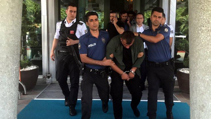 Soyguncuyu linçten İBB görevlileri kurtardı