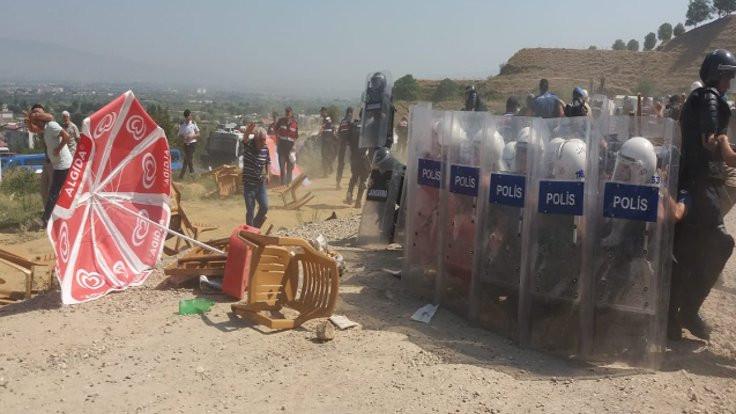 Jandarmadan köylülere biber gazı