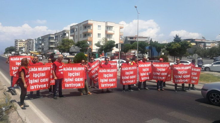 Aliağa Belediyesi işçileri yolu kapattı