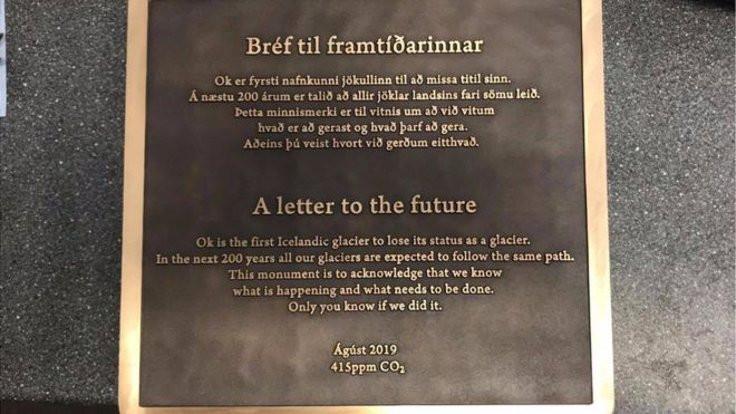 İzlanda'da eriyen buzul için cenaze töreni