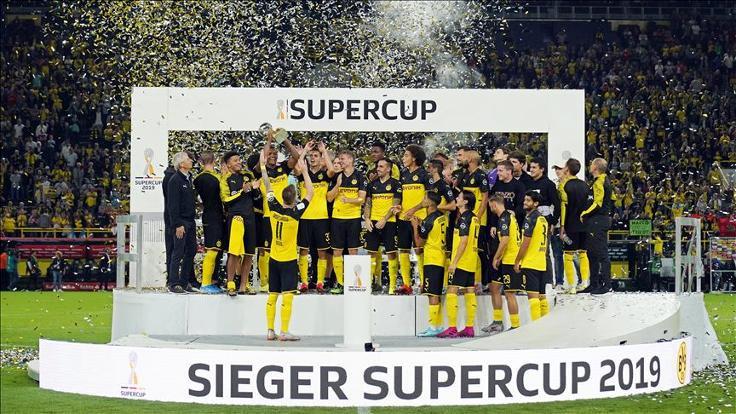 Almanya Süper Kupası'nı kazanan Borussia Dortmund