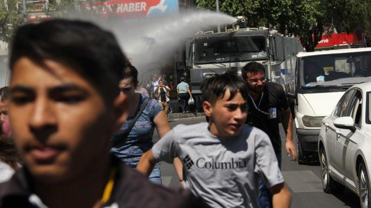 Diyarbakır'da kayyım protestosu devam ediyor
