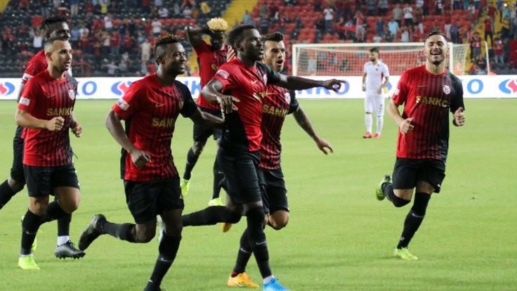 Gaziantep'te 5 gol, 2 kırmızı kart