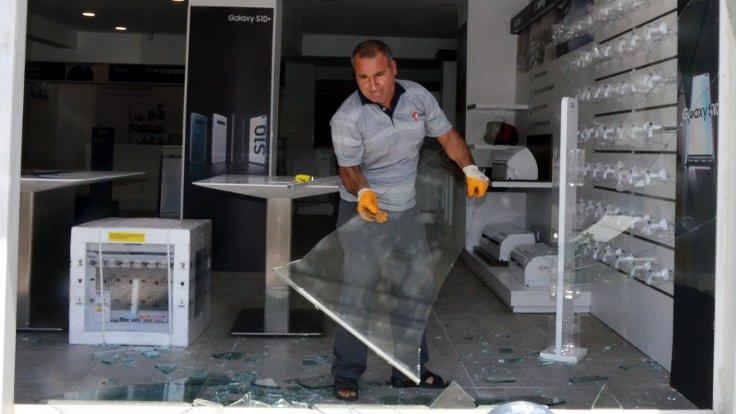850 liraya alınan keçi bin 500 liralık cam kırdı