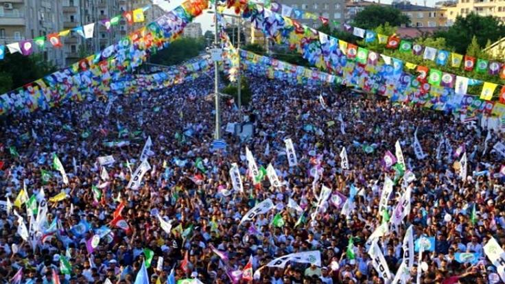 Diyarbakır ve Antalya'da 'kayyım' demek yasak