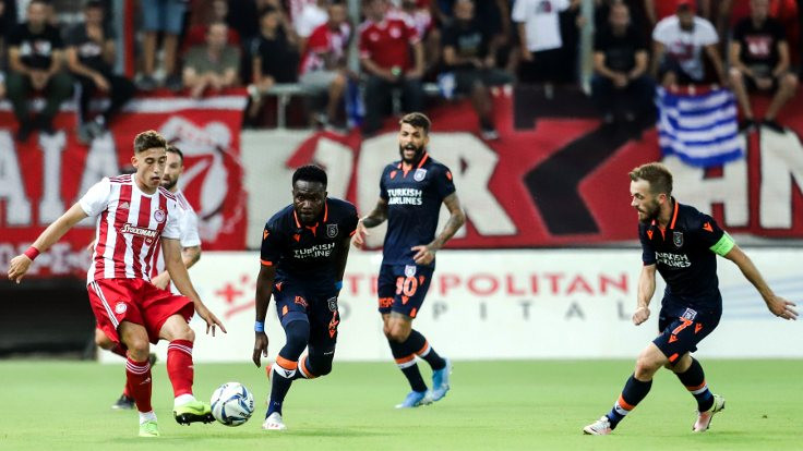 Olympiakos, Başakşehir'i eledi