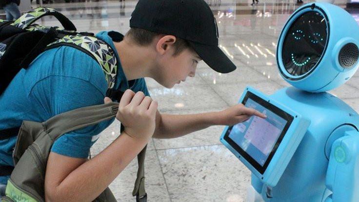 Havalimanında 'danışman' robot