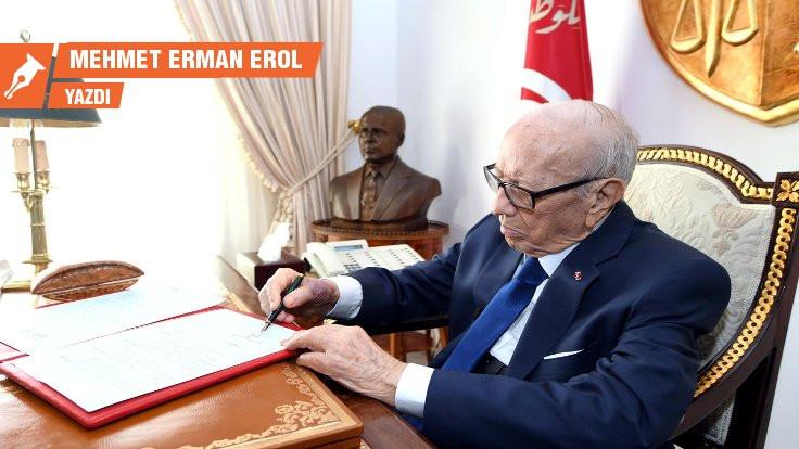 Essebsi'nin ardından Tunus
