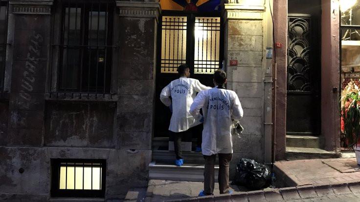 İki İngiliz otelde ölü bulundu