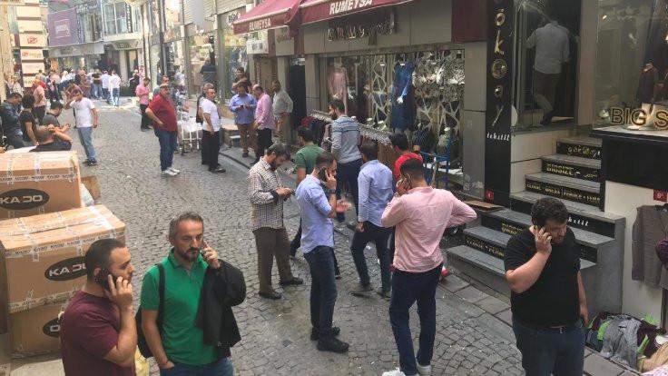 Depremin ardından İstanbul sokakları - Sayfa 1