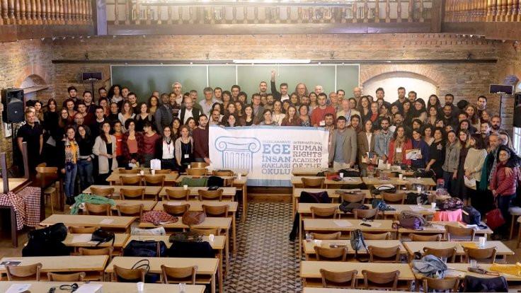 Ege İnsan Hakları Okulu'nda 'baskıcı rejimlerde hukuk ve insan hakları' konuşulacak