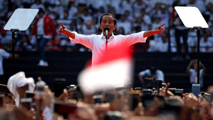 Endonezya'da evlilik dışı ilişki yasaklanıyor